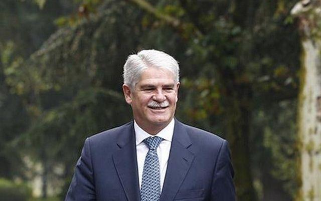 El Ministro De Asuntos Exteriores Y De Cooperacion Participa En El
